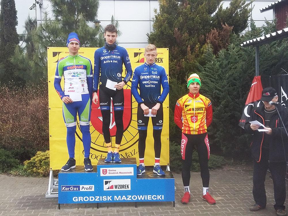 20160410 GrodziskM Lewy_Maciej_na_podium