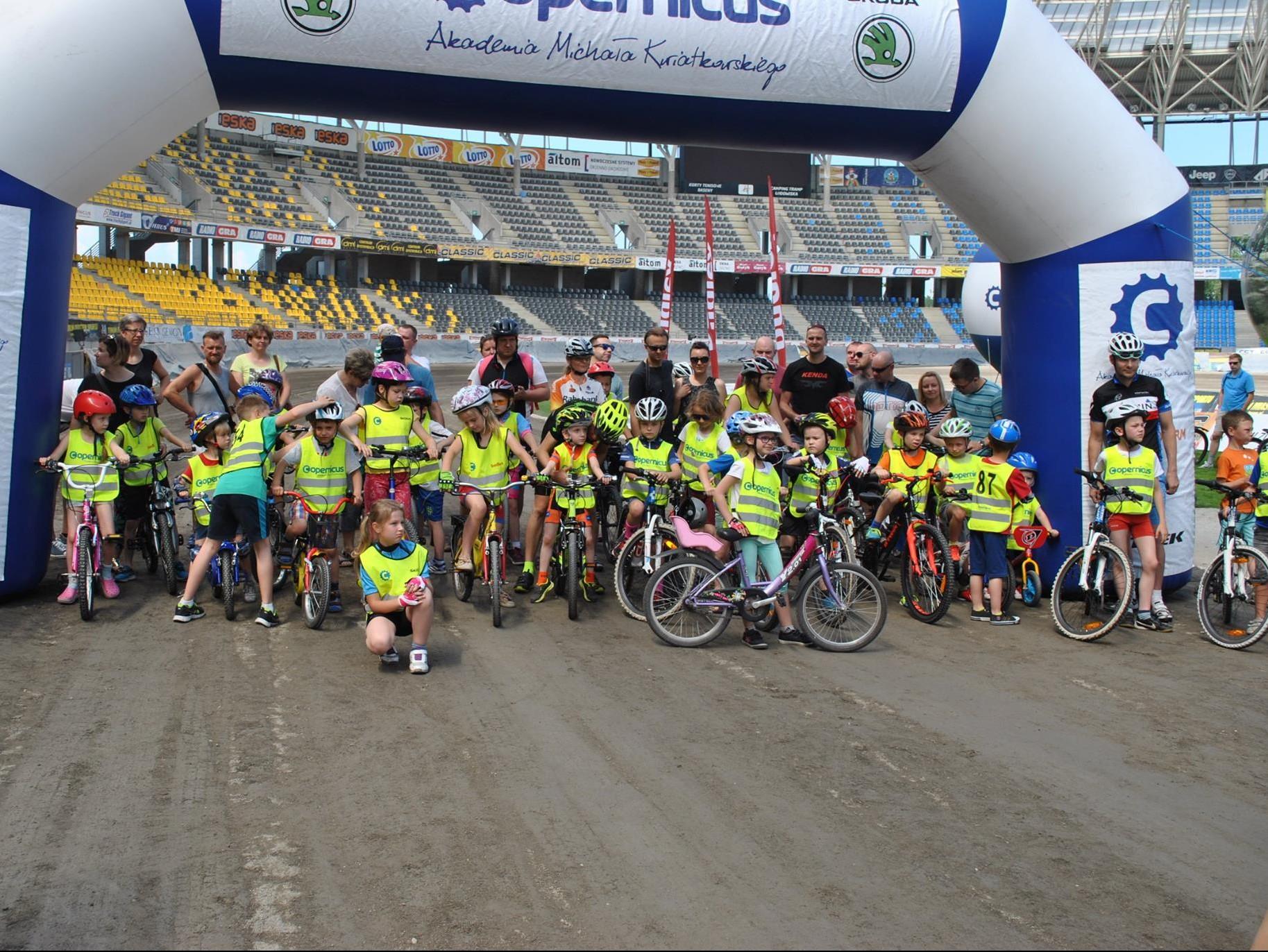 wyścigi dzieci na Motoarenie